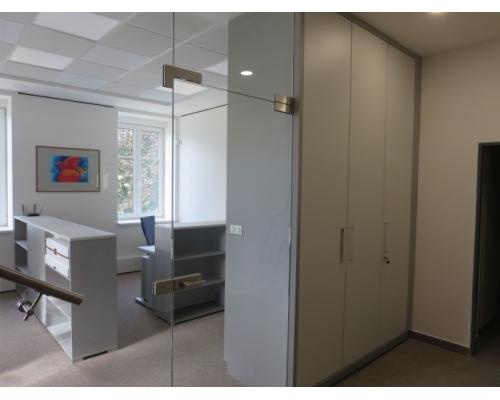 Zakázka kancelářský nábytek